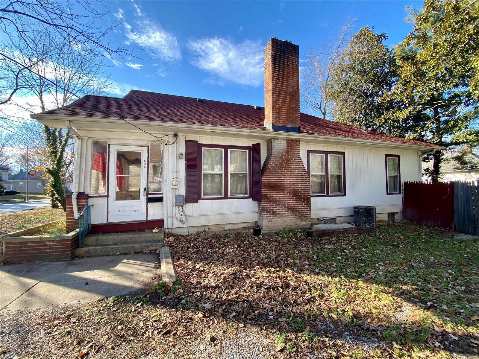 W 606 Walnut Street Property Photo 25