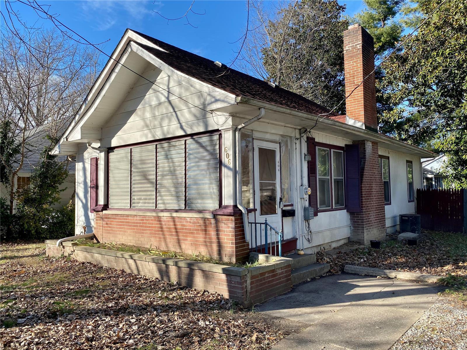 W 606 Walnut Street Property Photo 26
