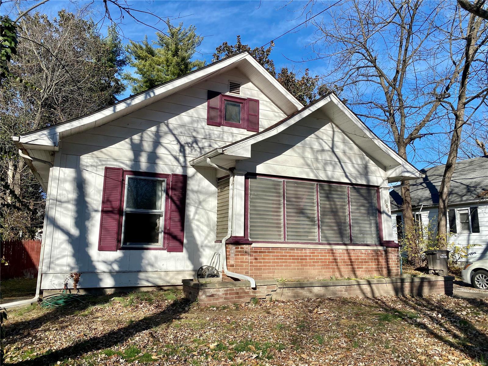 W 606 Walnut Street Property Photo 27