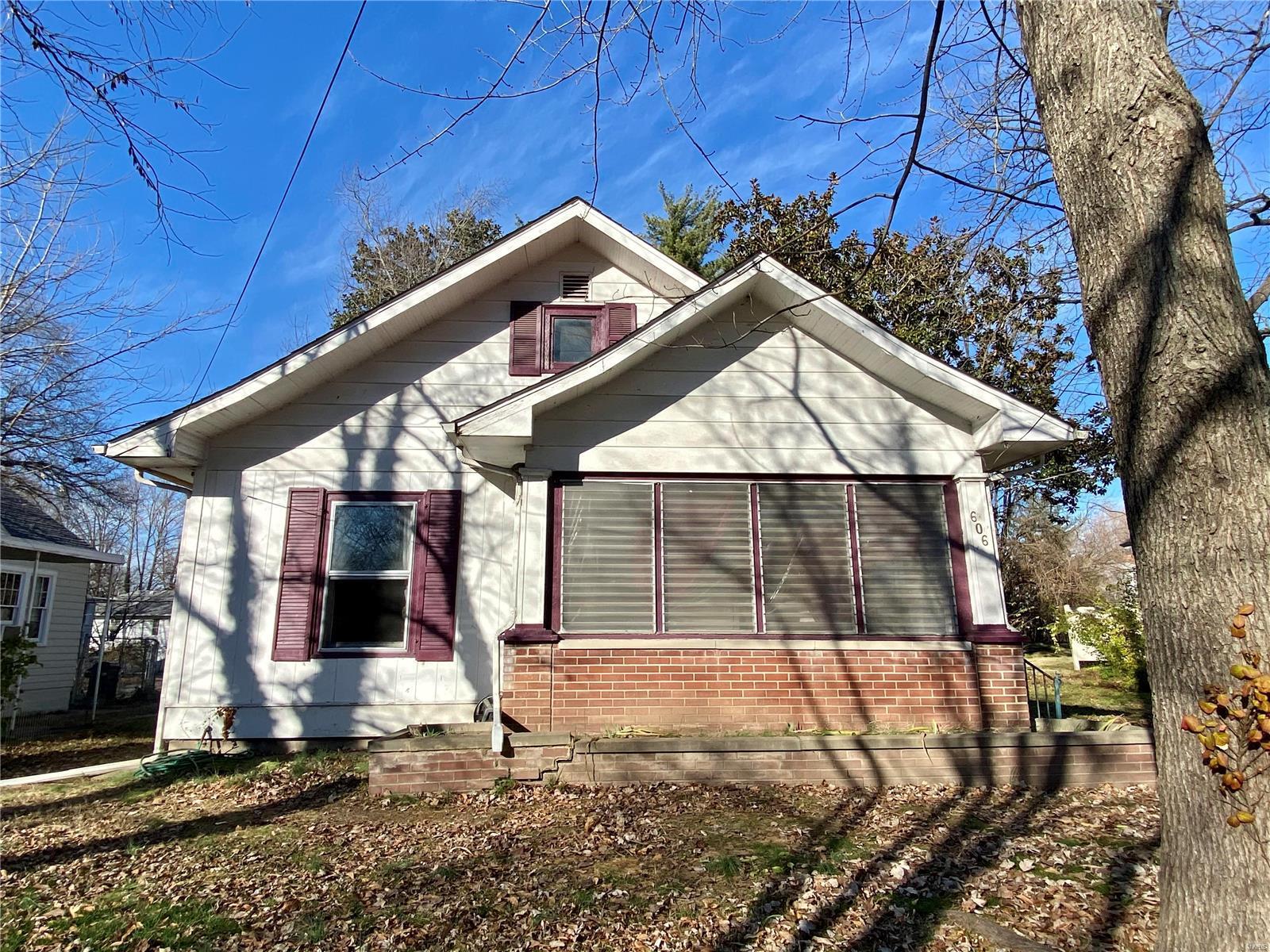 W 606 Walnut Street Property Photo 28