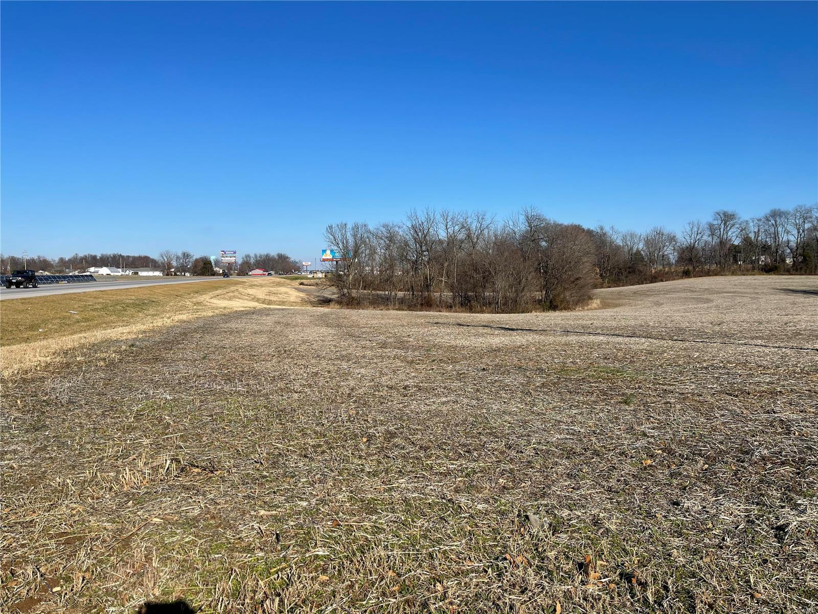 1 Perryville Boulevard Property Photo 4