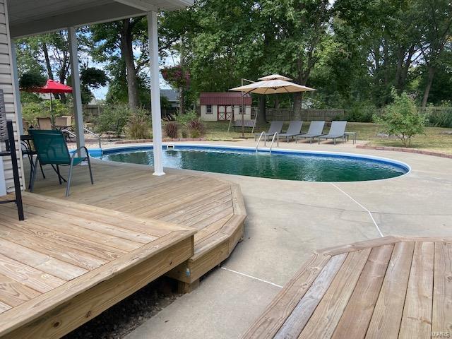 1100 Mockingbird Property Photo 3