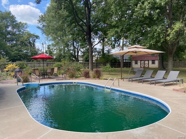 1100 Mockingbird Property Photo 4