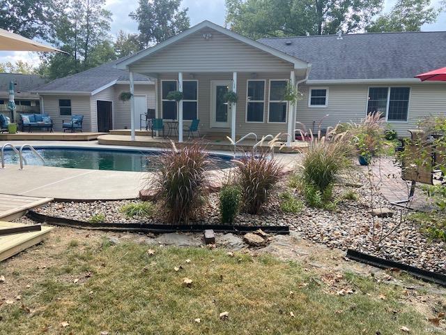 1100 Mockingbird Property Photo 8
