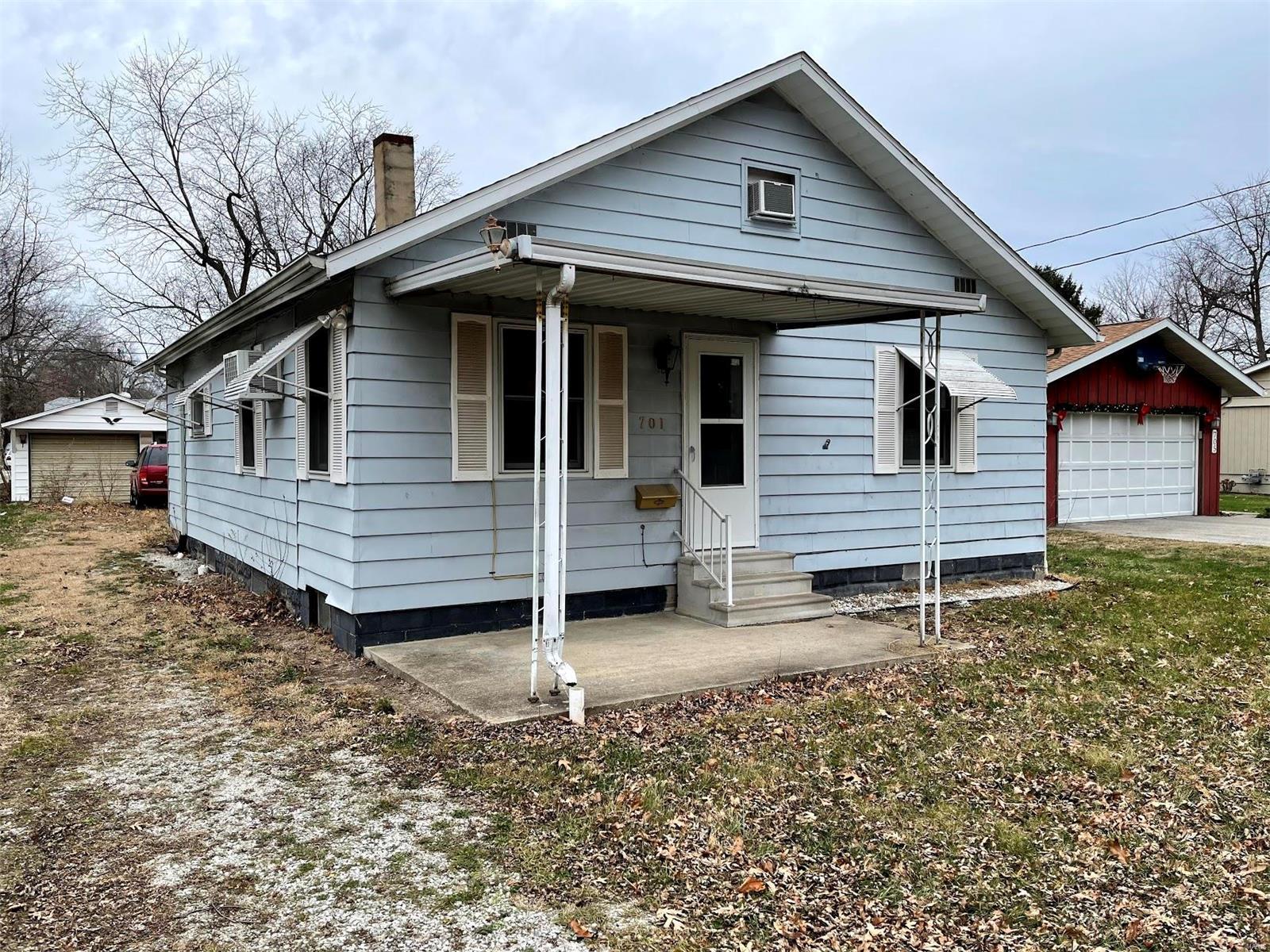 N 701 Taylorville Blvd Property Photo 1