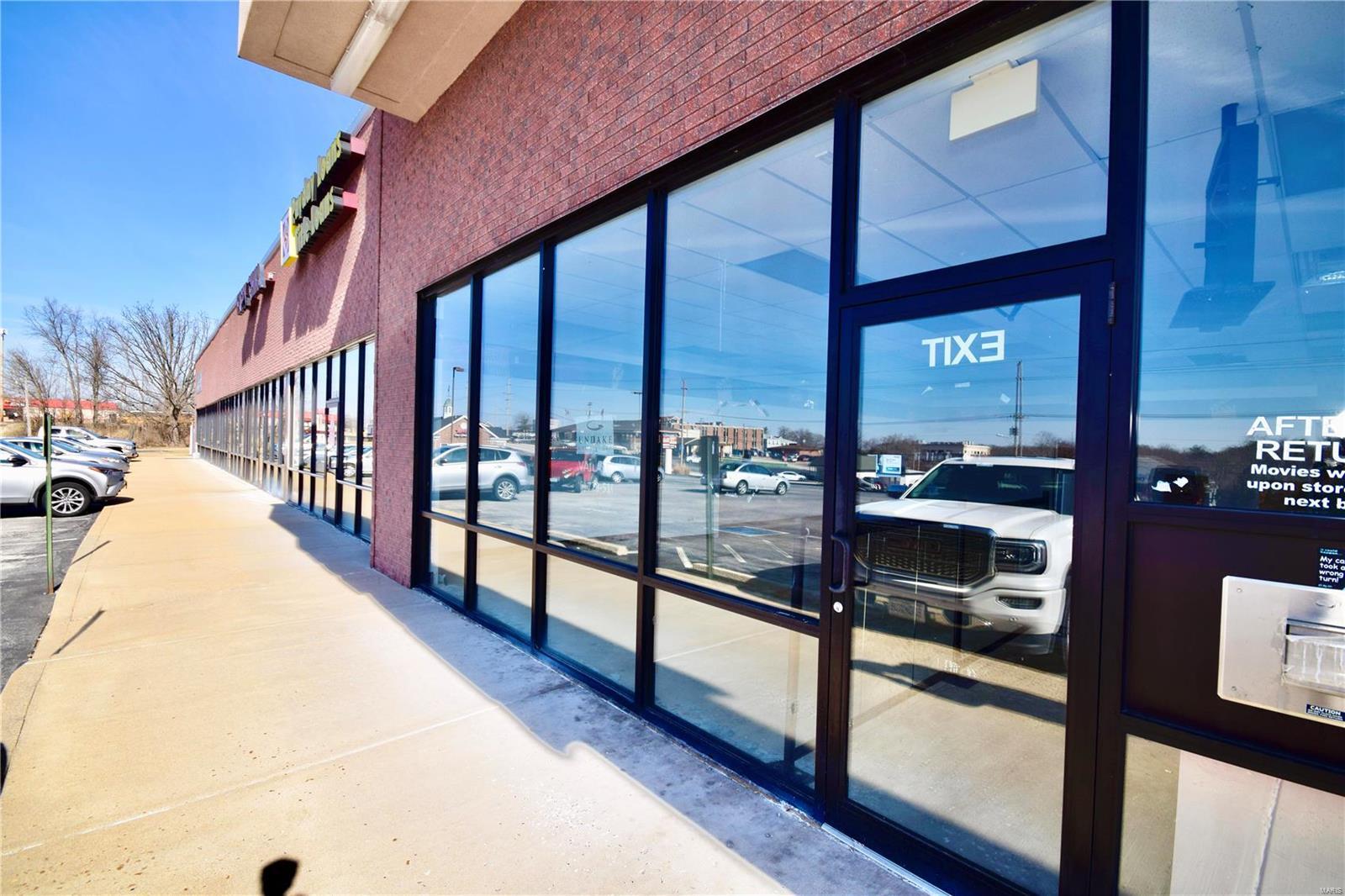 10640 Business 21 Property Photo