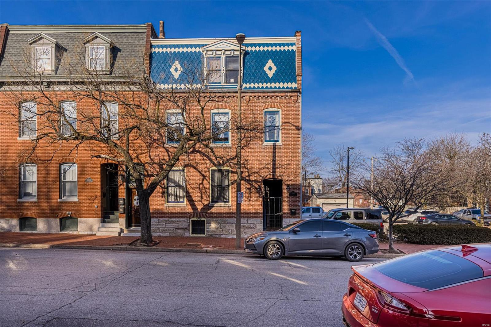 1033 Allen Avenue Property Photo 1