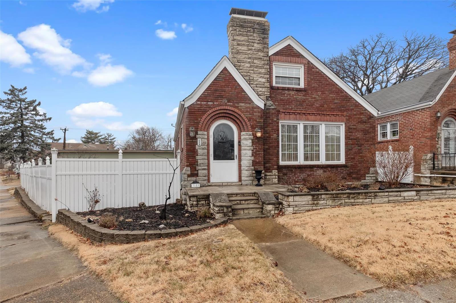 3159 Hampton Avenue Property Photo