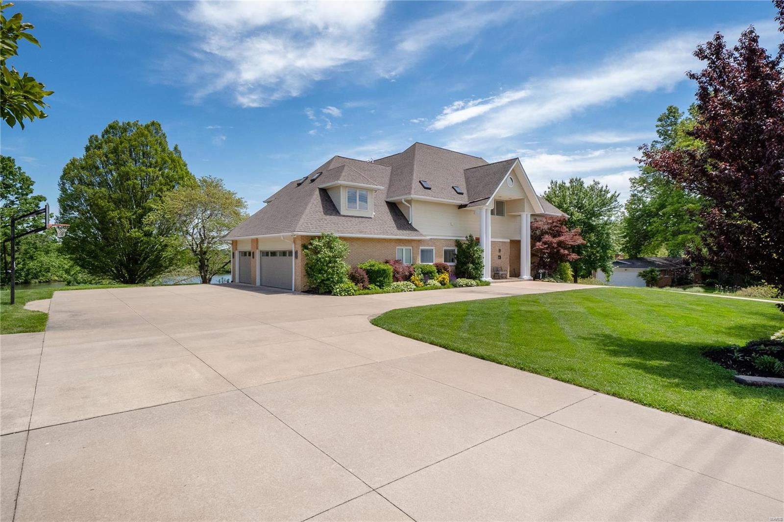 S 116 New Ballas Property Photo 1