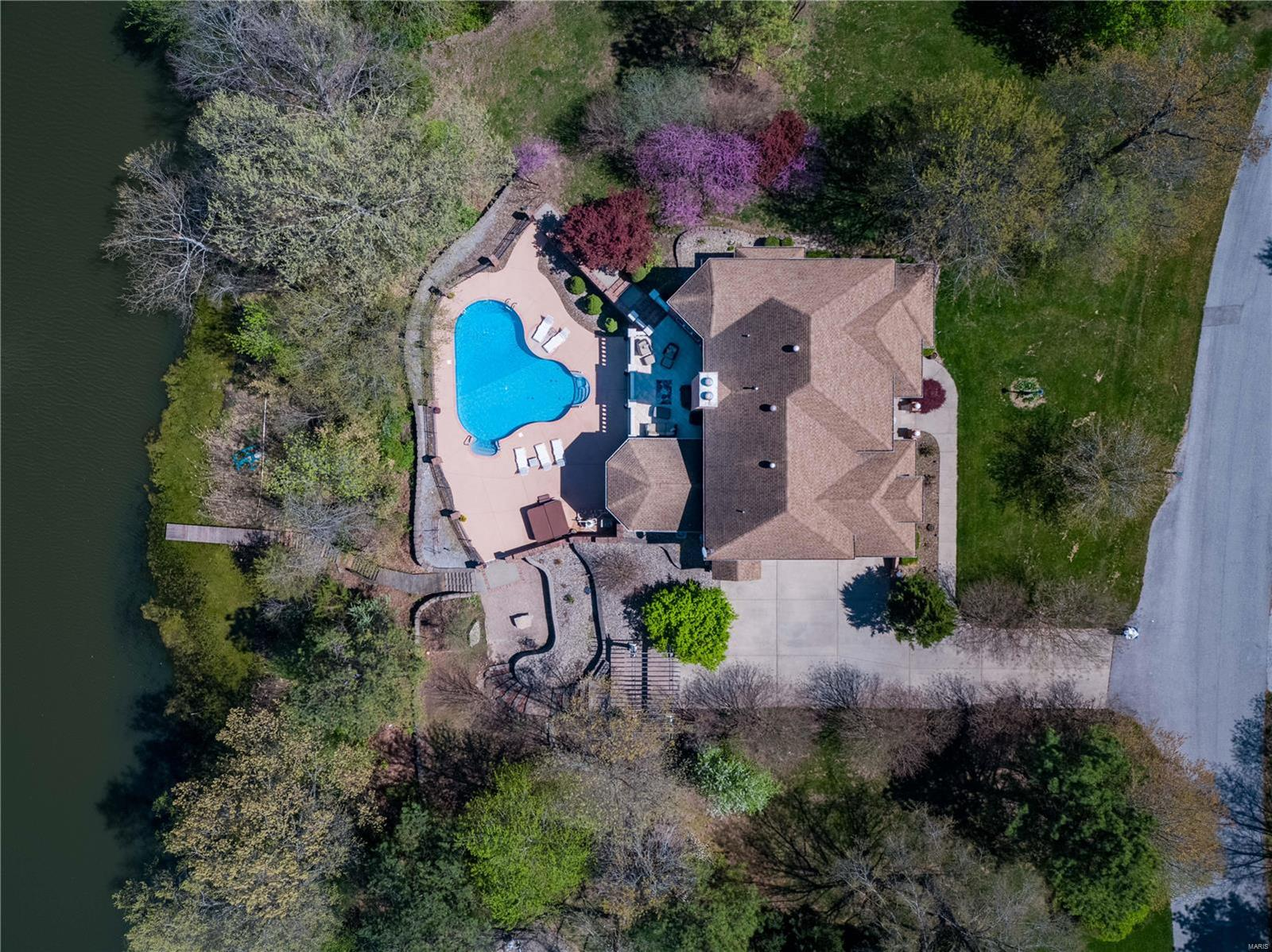600 Arbor Drive Property Photo 6