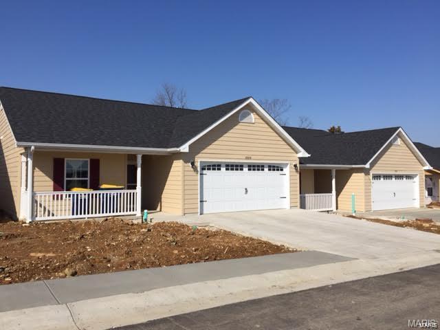 1055 Hawk Ridge #3 Property Photo 1