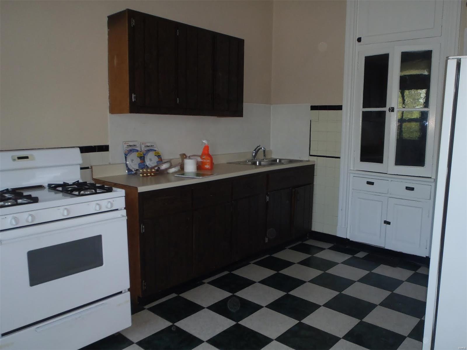 3622 Liermann Avenue Property Photo 3