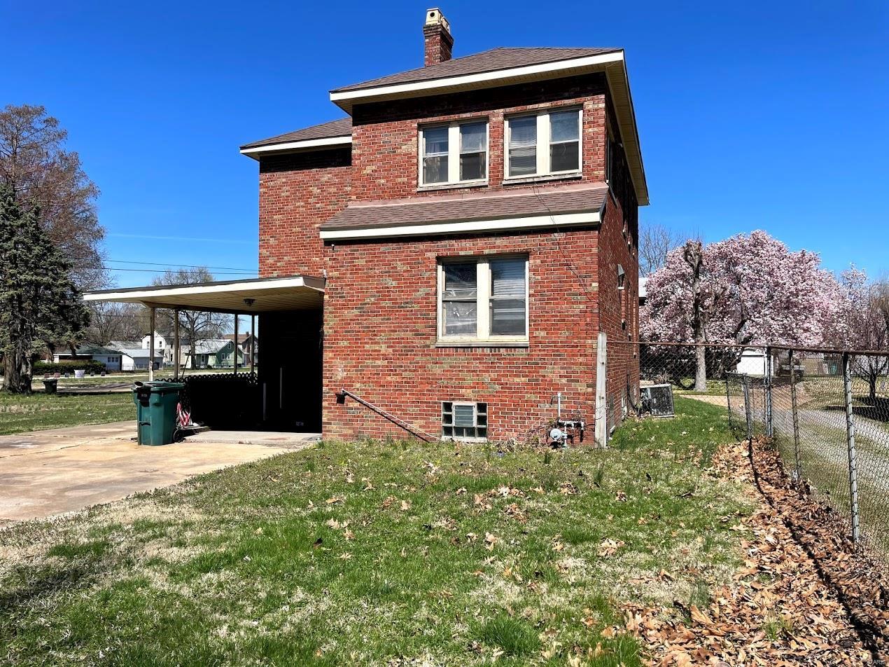 1712 Fourth Property Photo 3