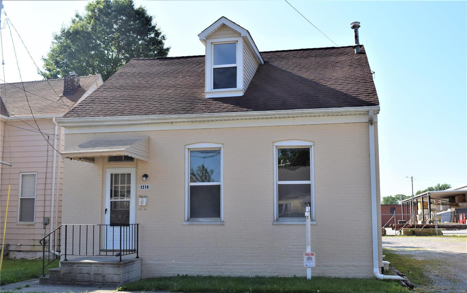 1218 E B Street Property Photo