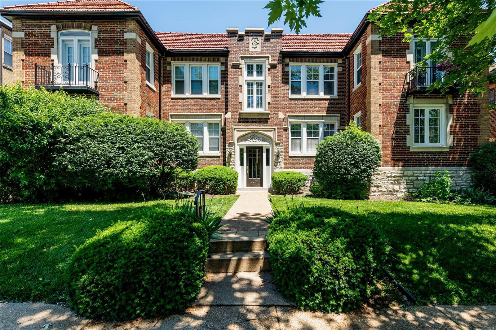 Beacon Place Condo Real Estate Listings Main Image