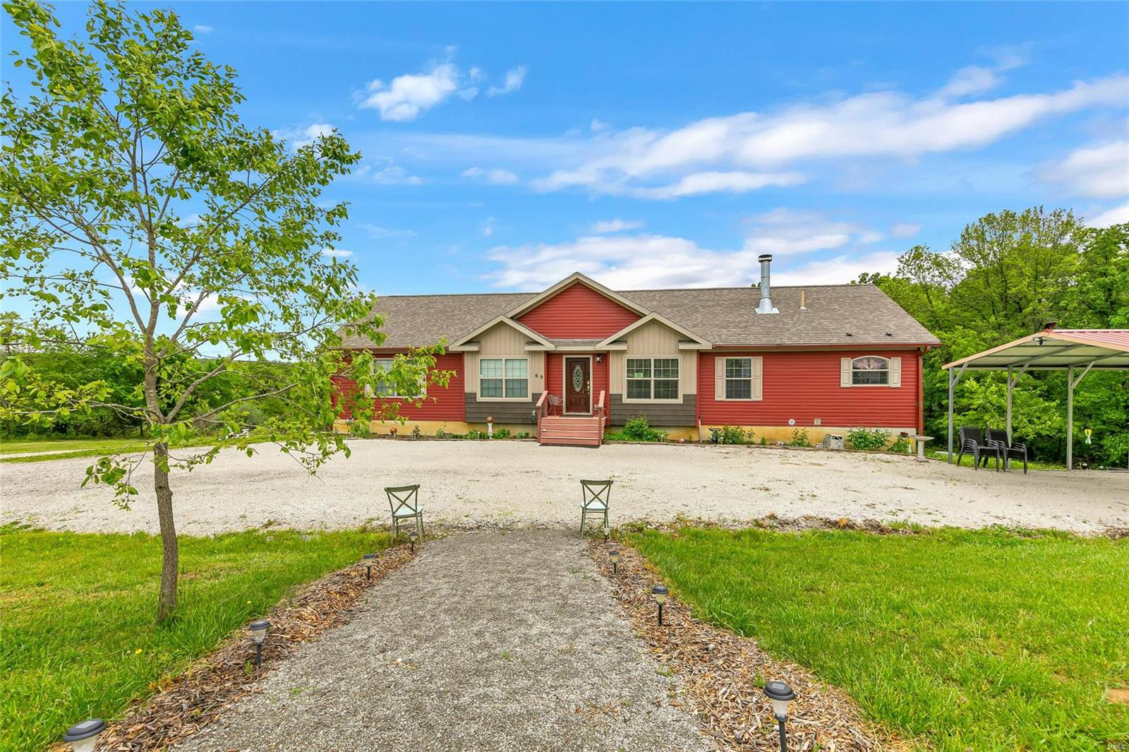 69 Walnut Grove Drive Property Photo 1