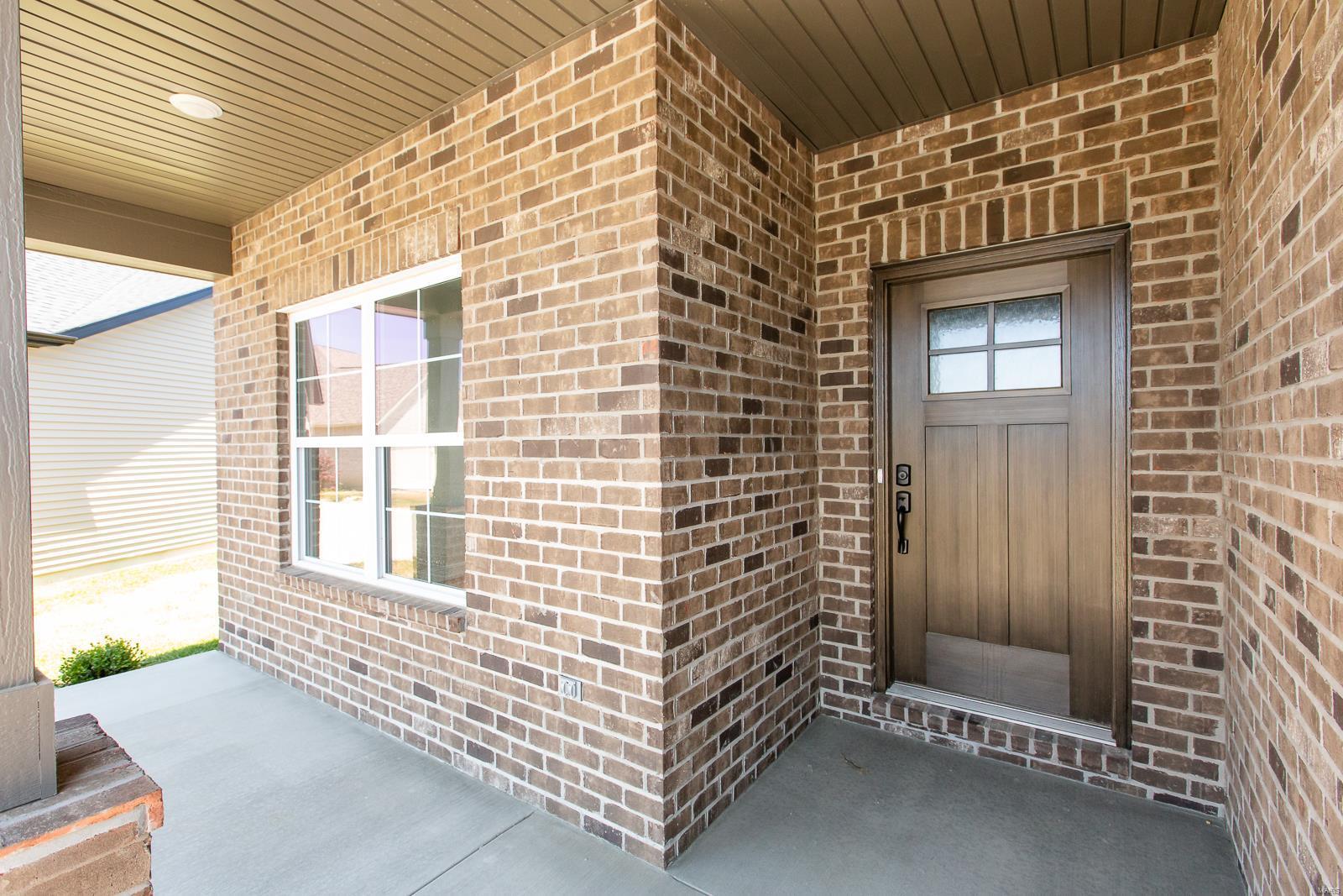 809 Bushwood Way Property Photo 2