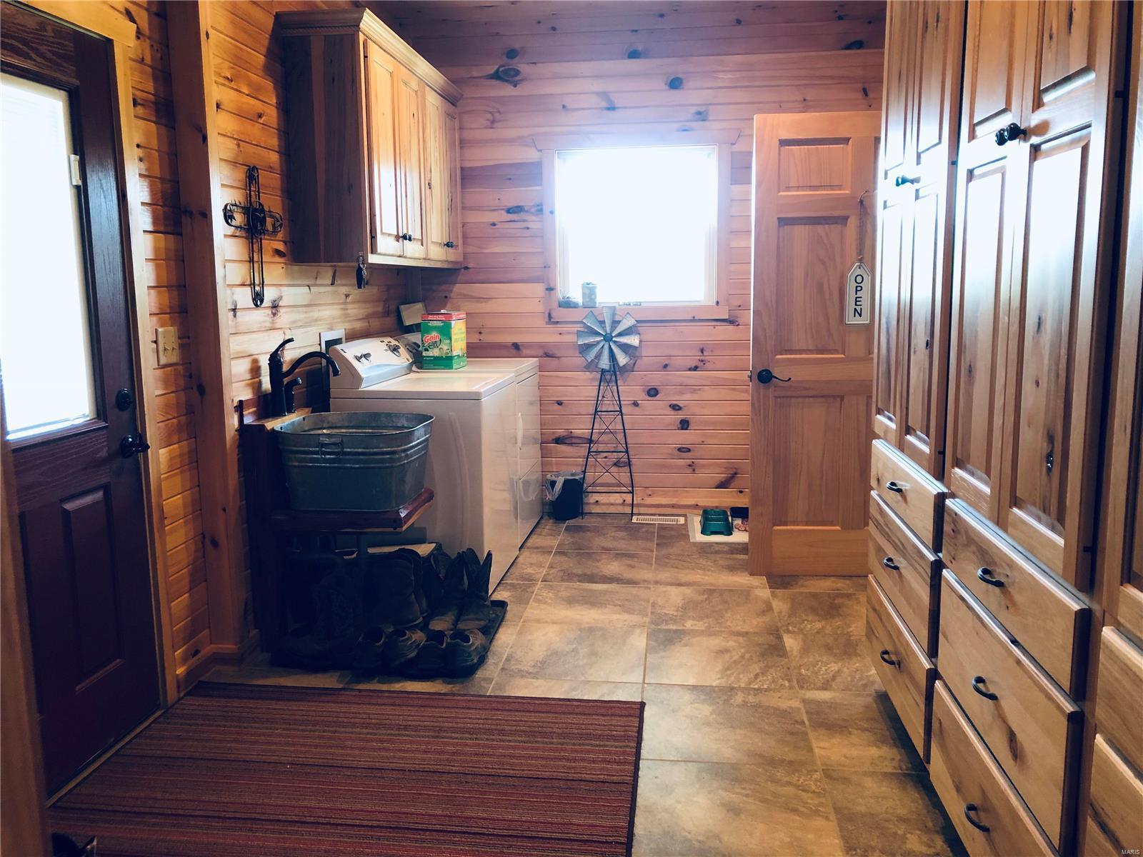 15351 Wayne Rt. E Property Photo 7