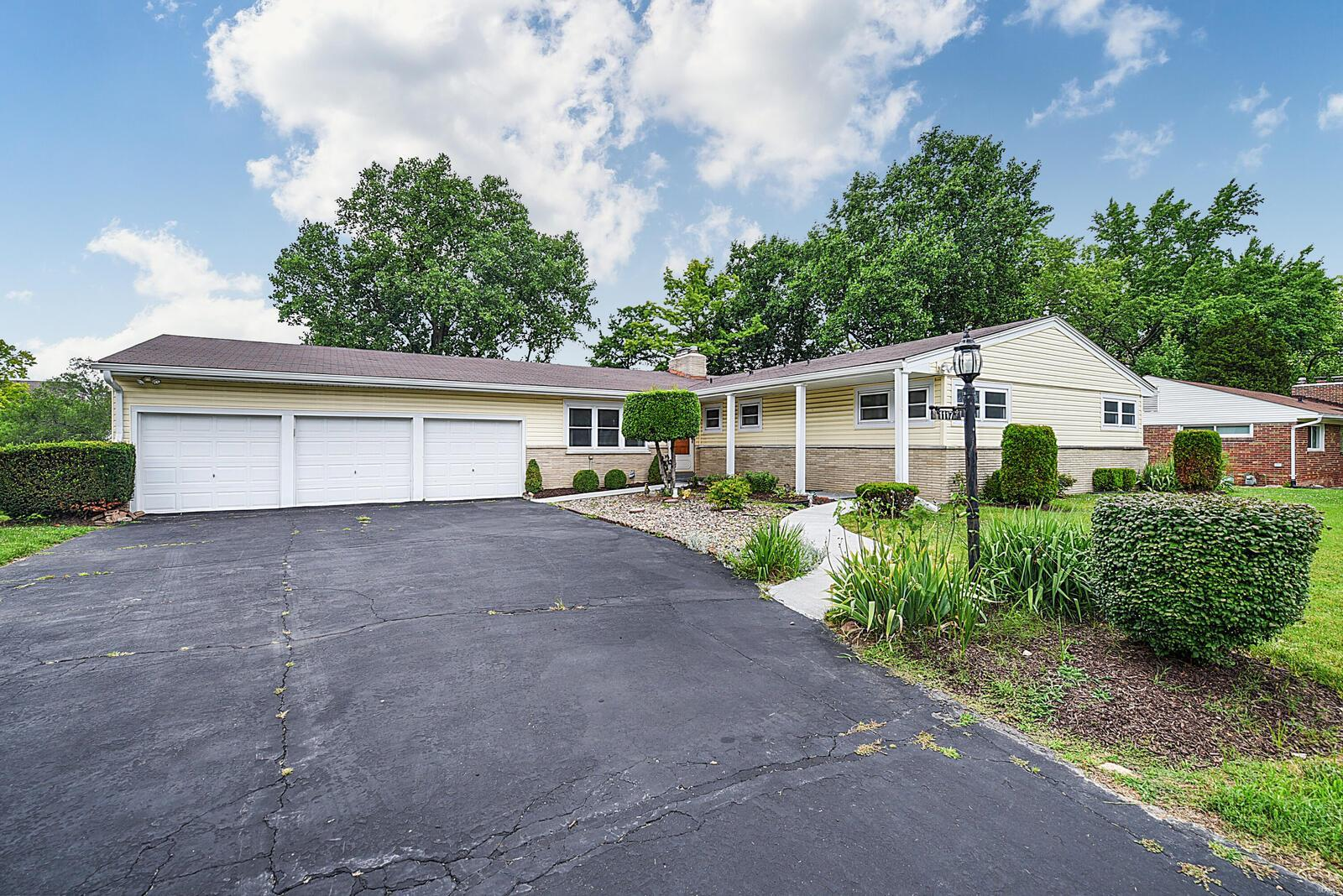 Basswood Lane Real Estate Listings Main Image