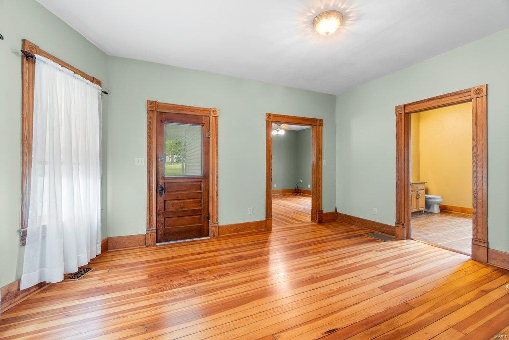 139 S Oak Street Property Photo 3