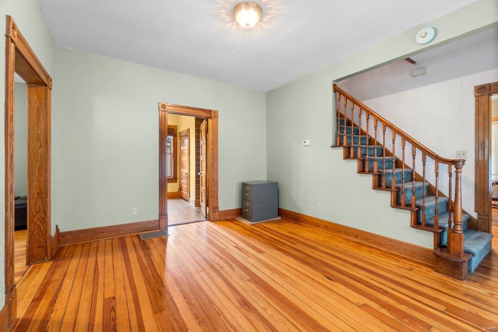 139 S Oak Street Property Photo 4