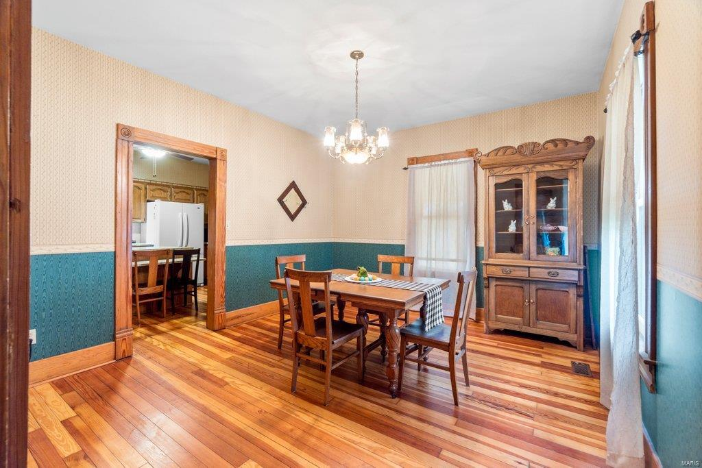 139 S Oak Street Property Photo 5
