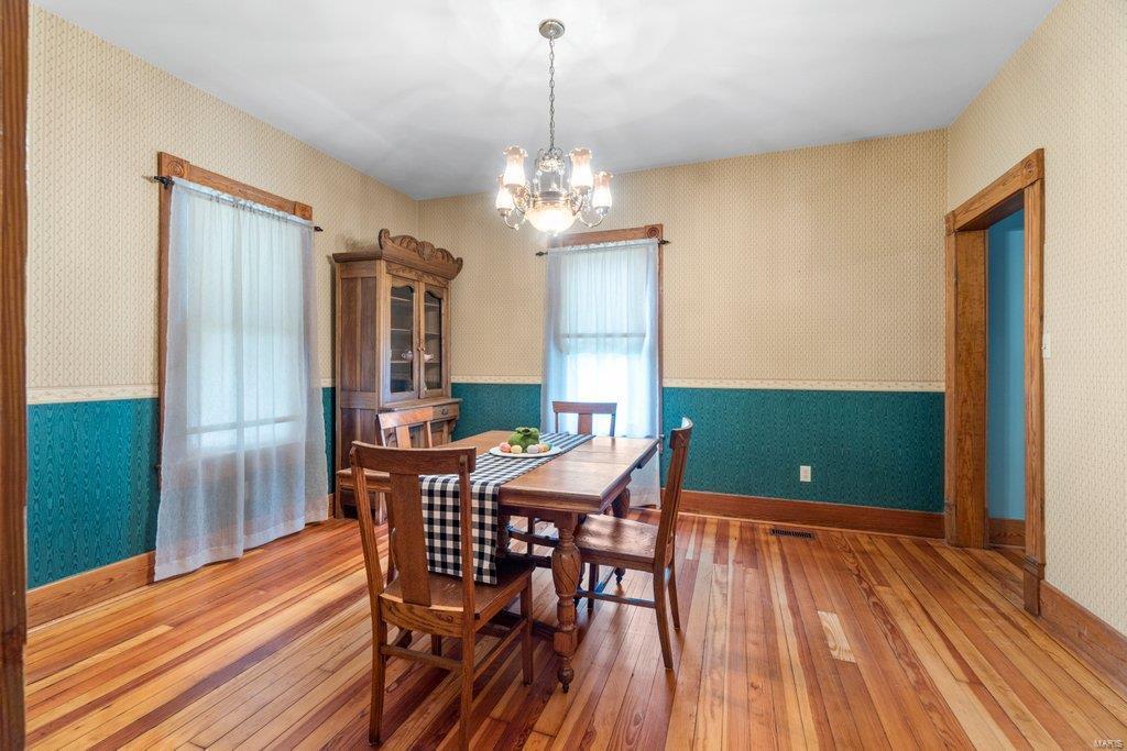 139 S Oak Street Property Photo 6