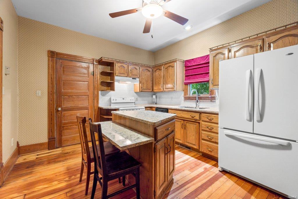 139 S Oak Street Property Photo 8