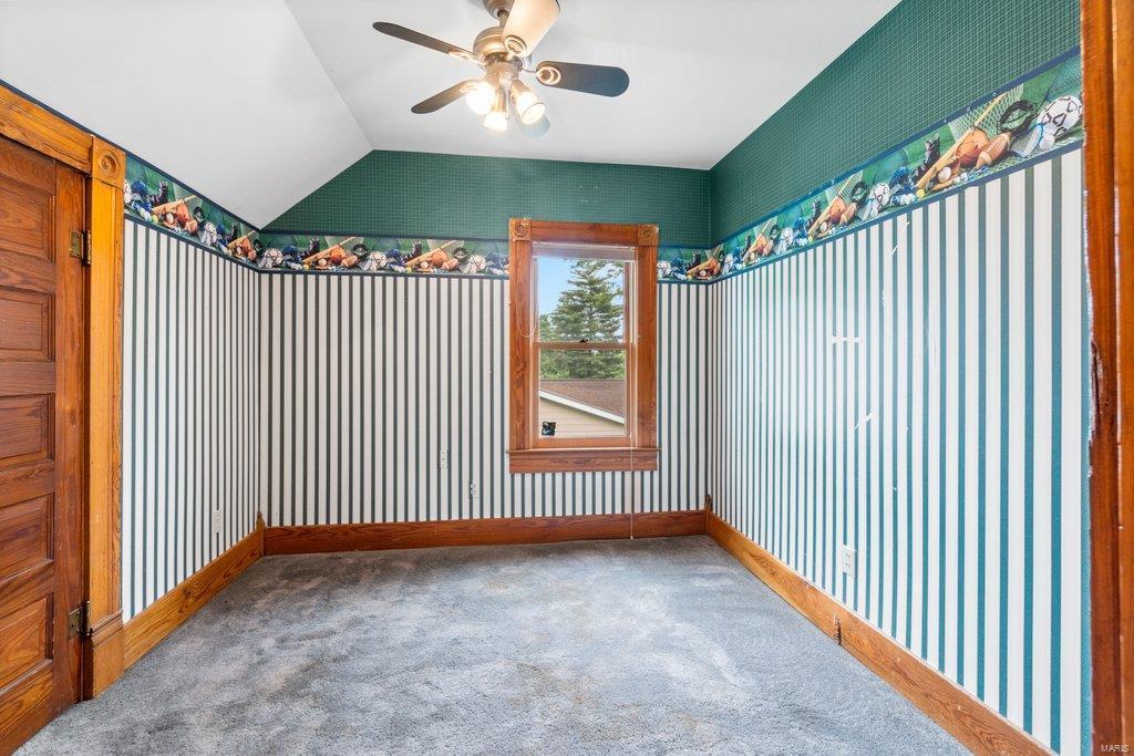 139 S Oak Street Property Photo 11