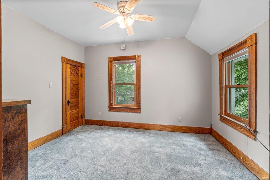 139 S Oak Street Property Photo 12