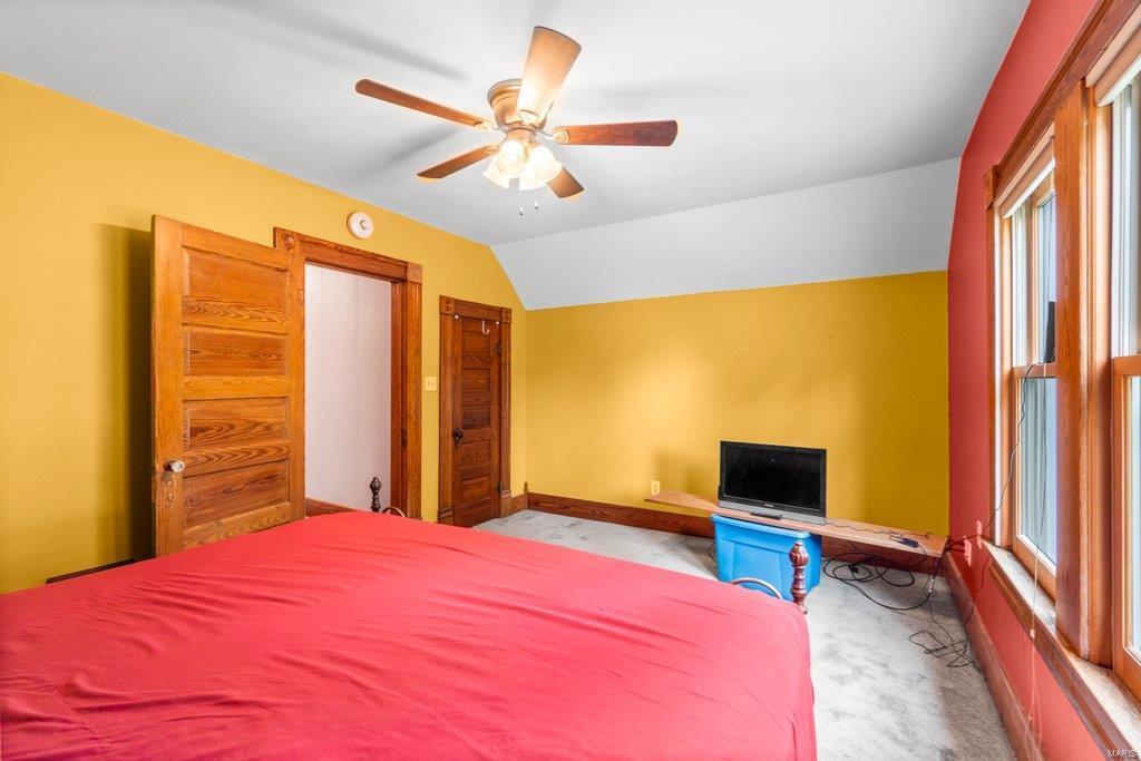 139 S Oak Street Property Photo 15