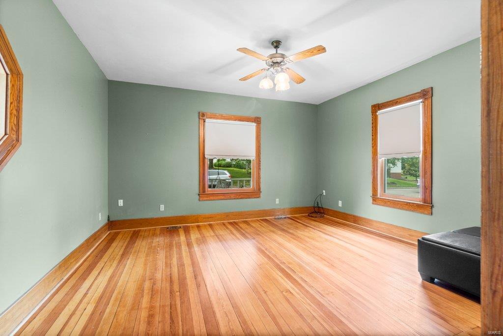 139 S Oak Street Property Photo 16