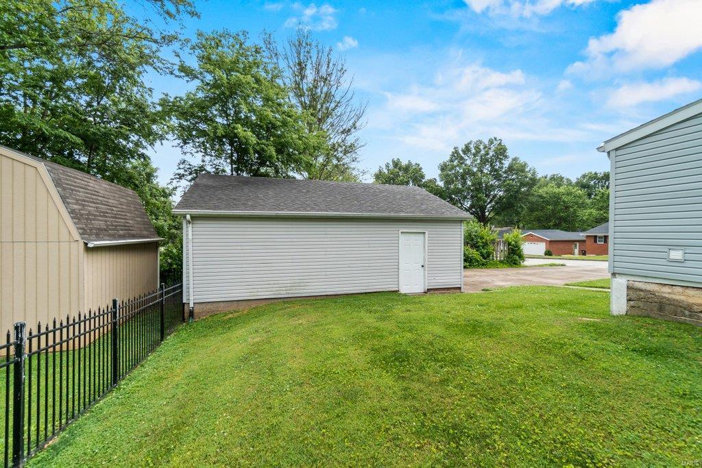 139 S Oak Street Property Photo 22