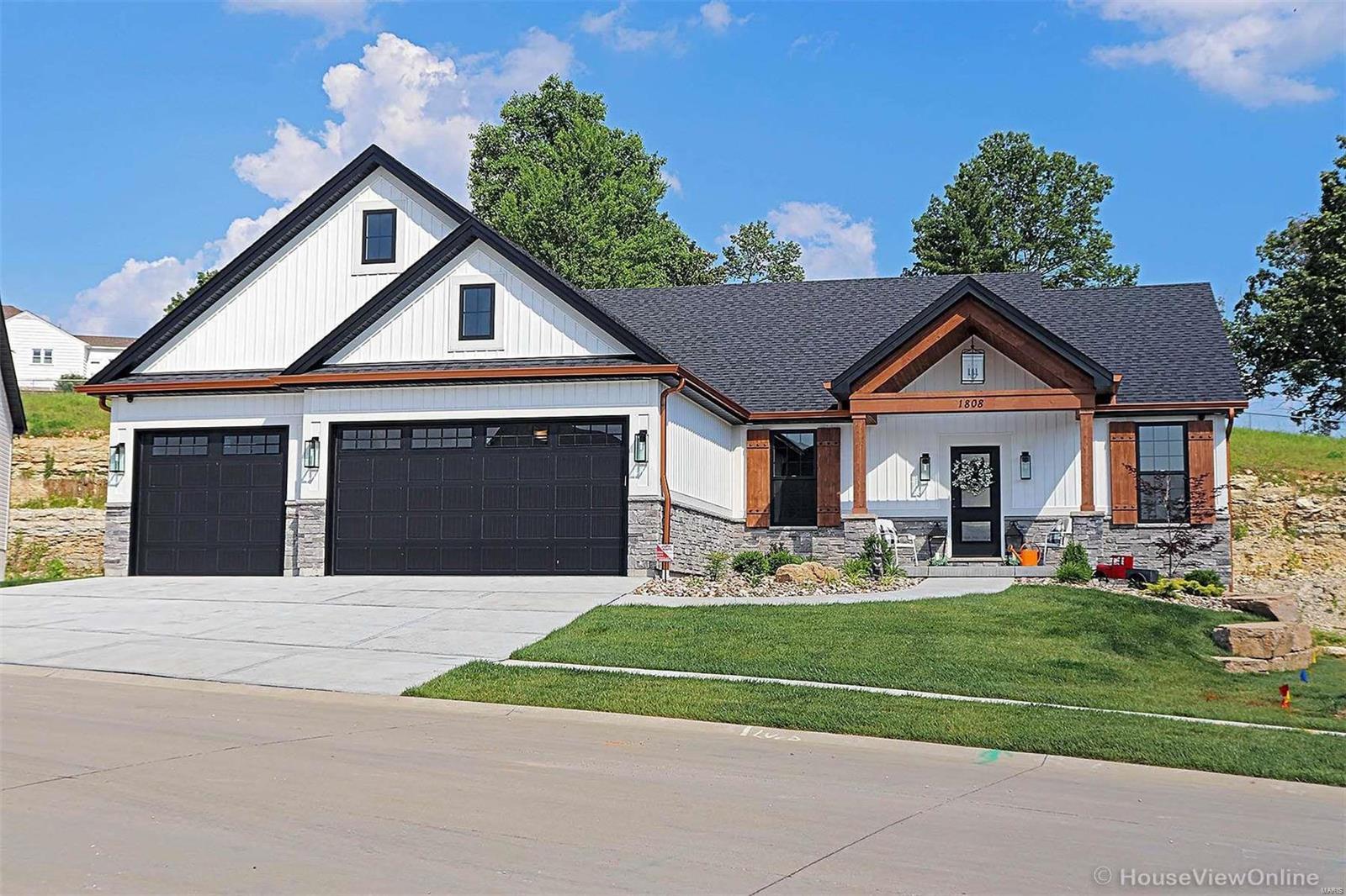 1808 Gardina Drive Property Photo 1