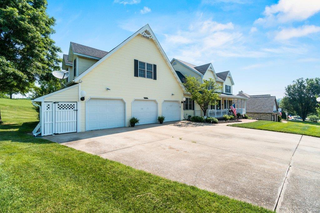 2505 Horseshoe Ridge Property Photo 3