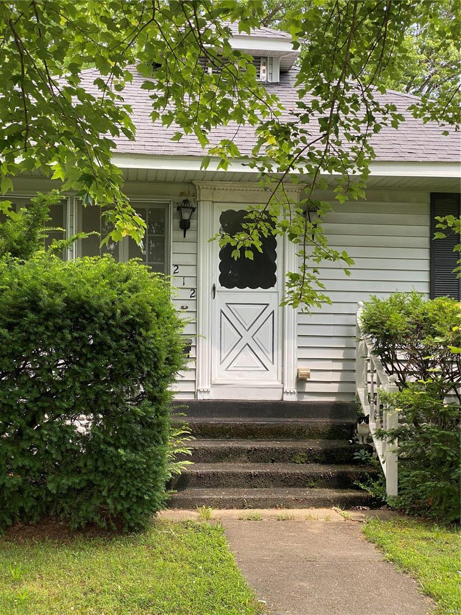 212 S 8th Street Property Photo 1