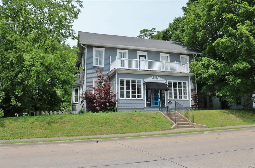 208 E North Street Property Photo 1