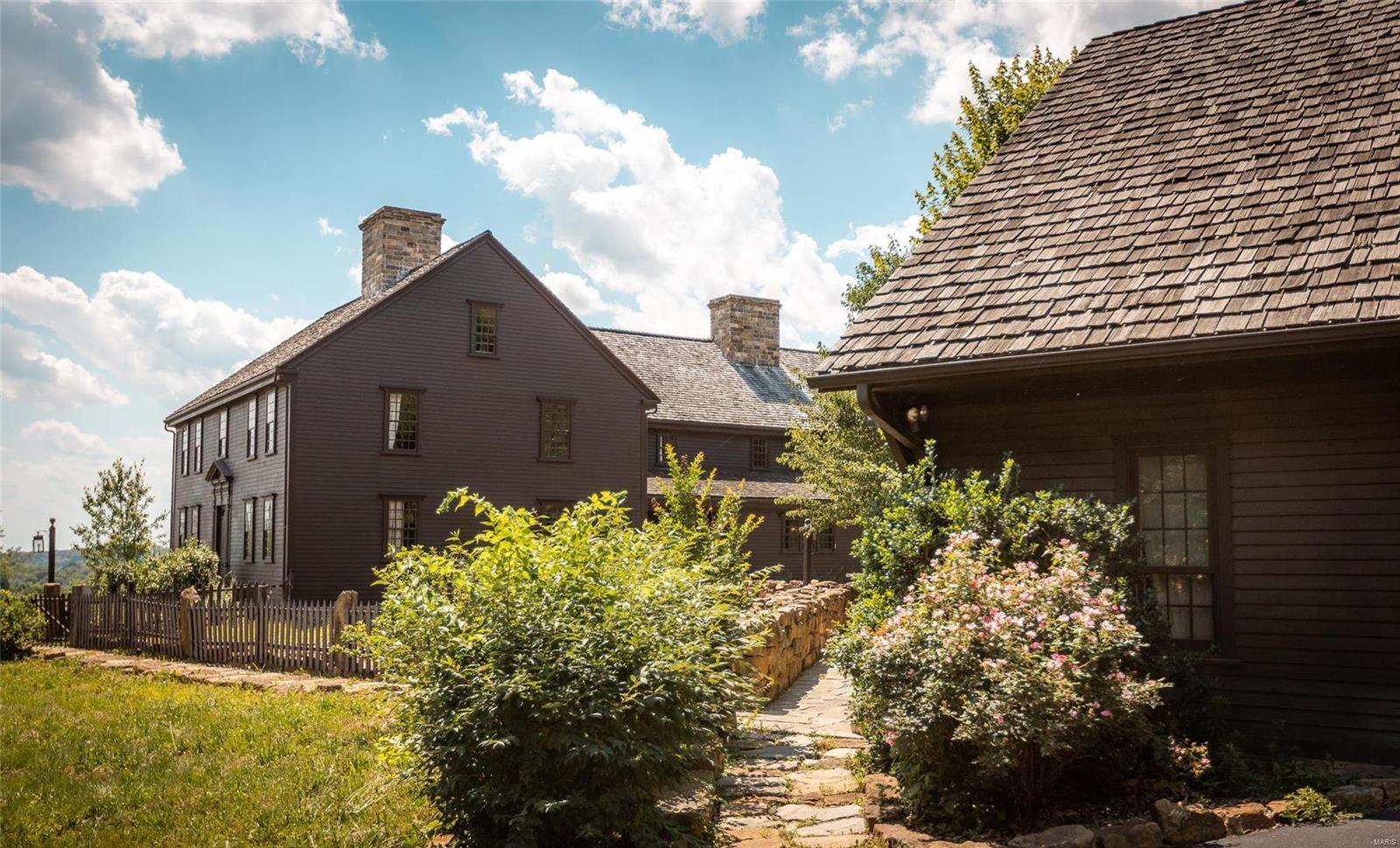 120 Fox Run Lane Property Photo 6