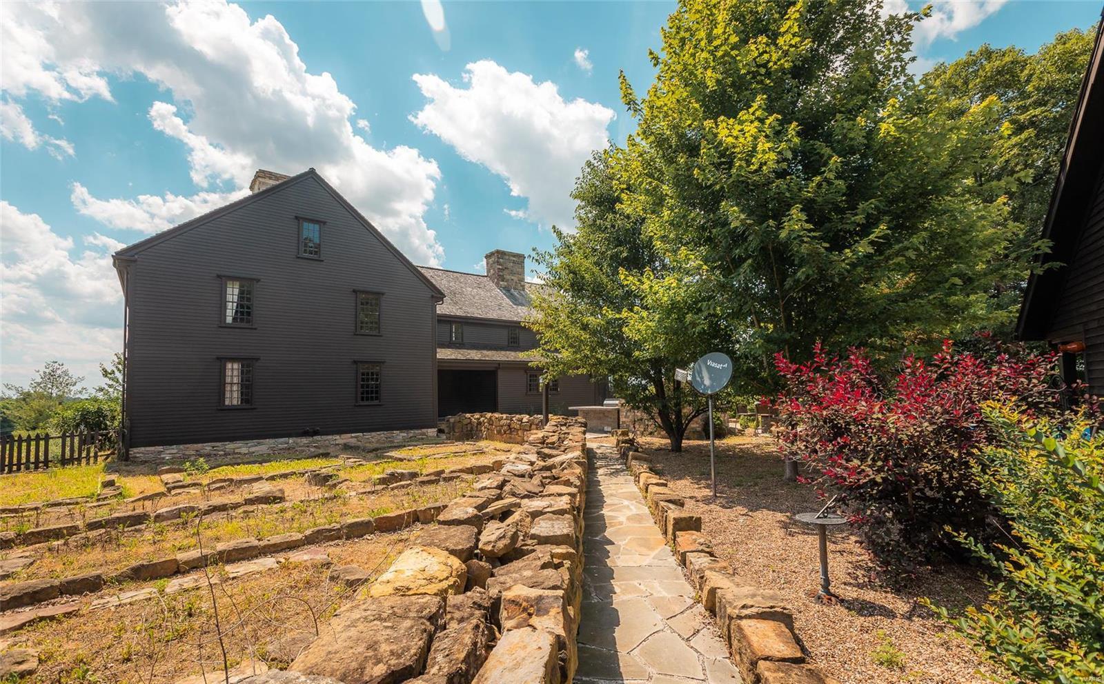 120 Fox Run Lane Property Photo 7