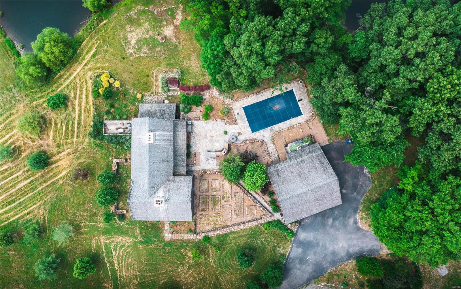 120 Fox Run Lane Property Photo 48