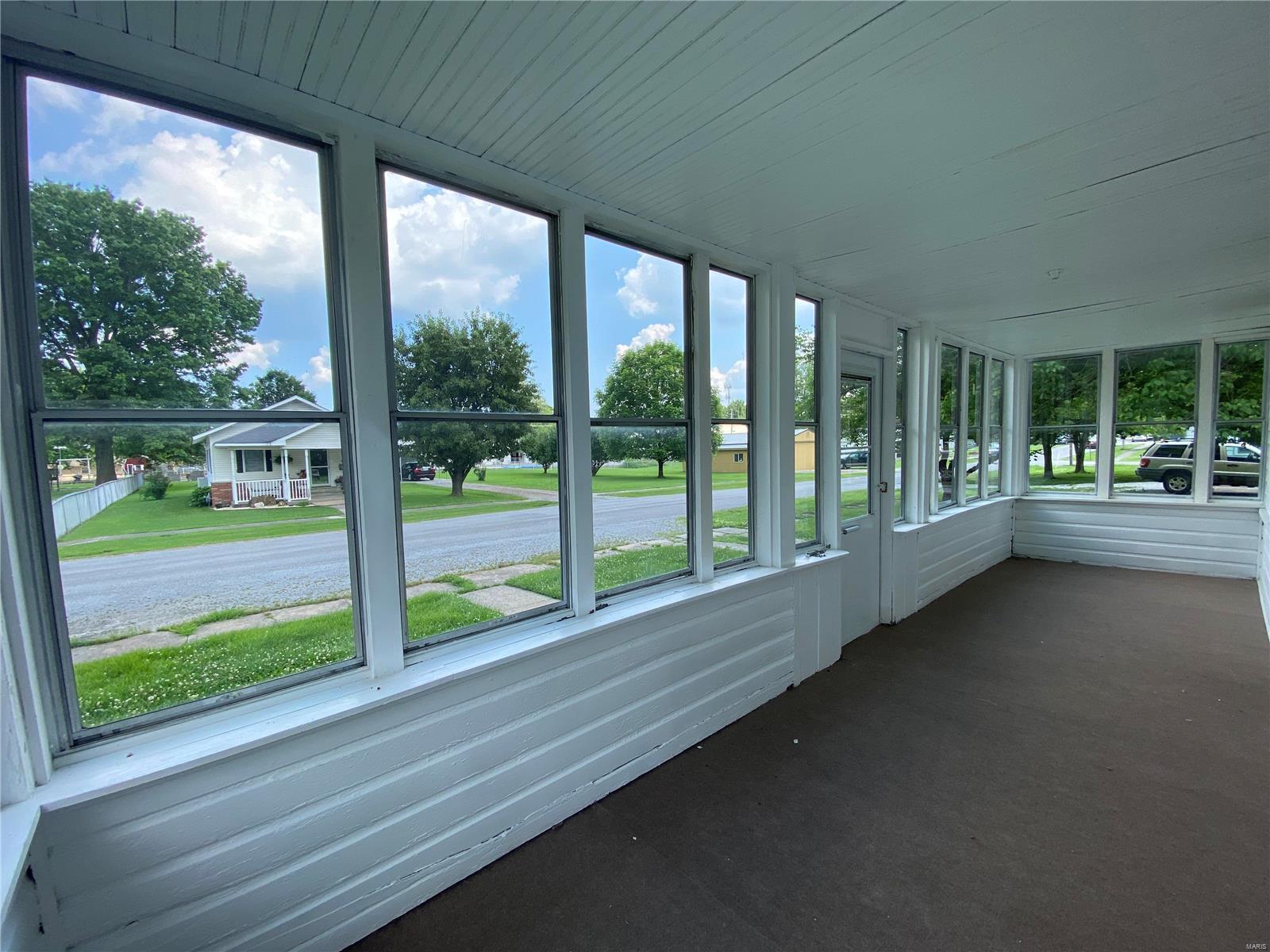 N 313 8th Street Property Photo 2