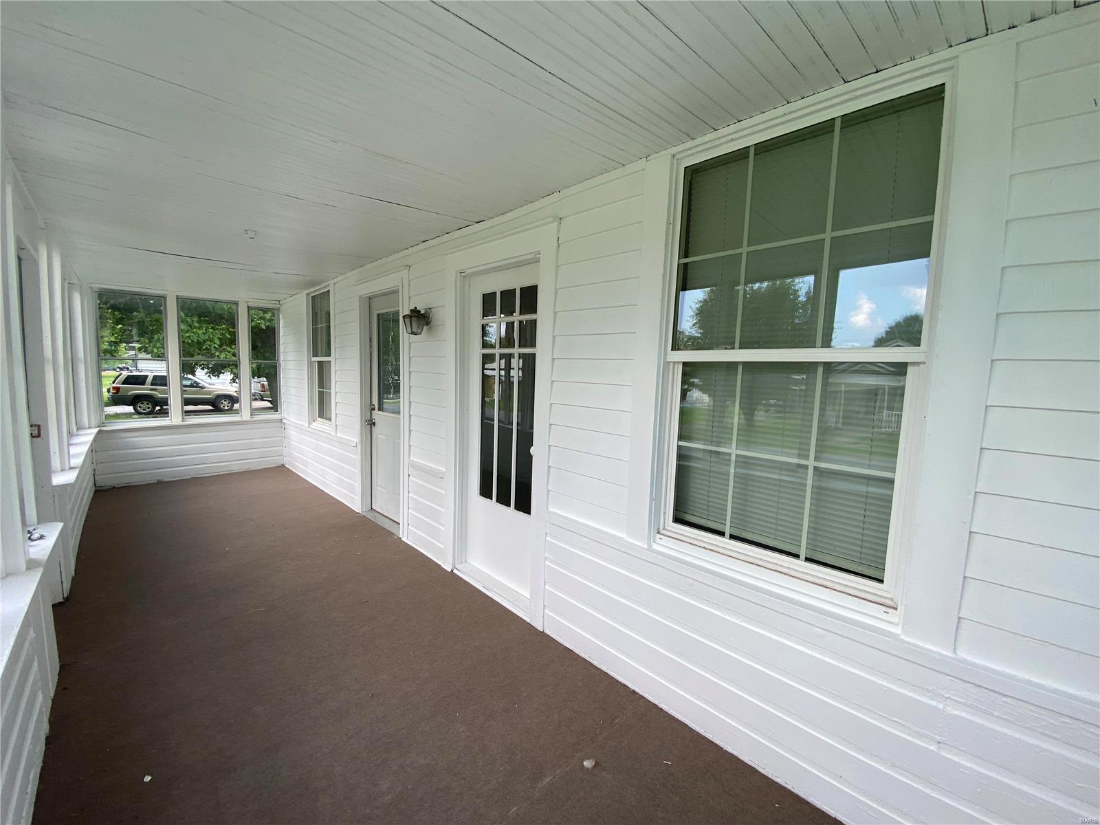 N 313 8th Street Property Photo 3