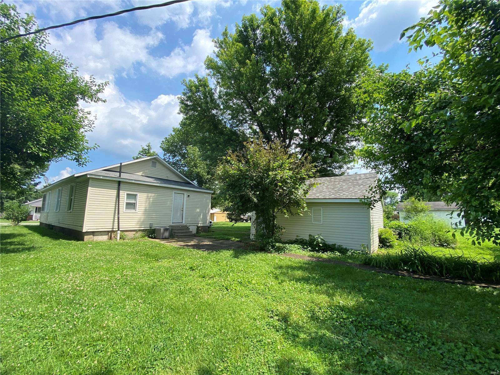 N 313 8th Street Property Photo 15