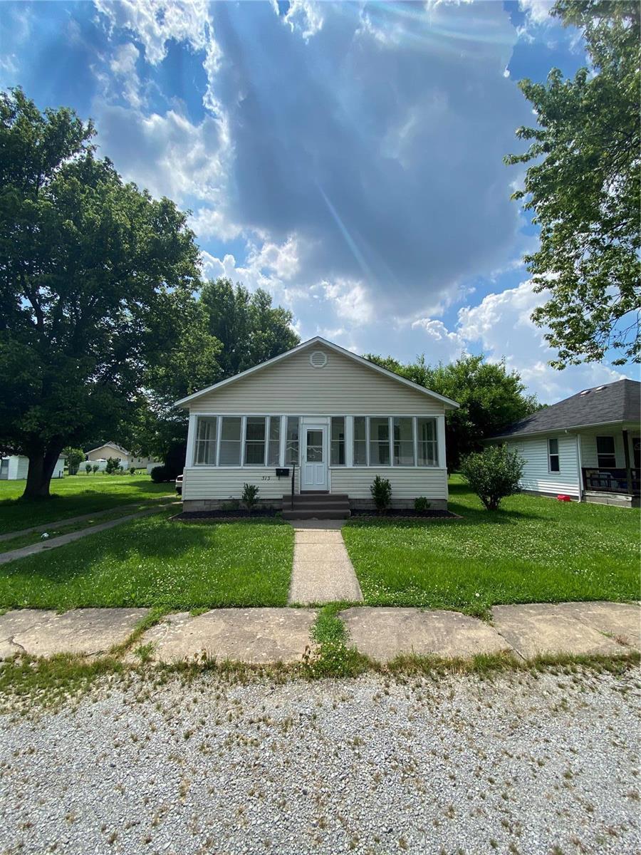 N 313 8th Street Property Photo 16