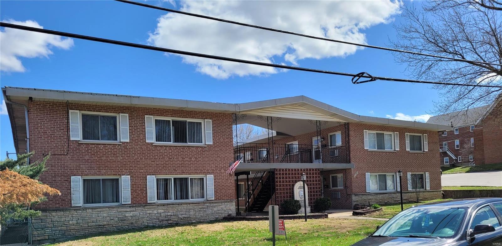 2758 Walton Property Photo 1