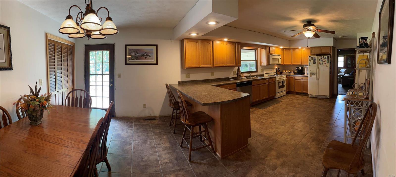 213 Lingale Avenue Property Photo 6