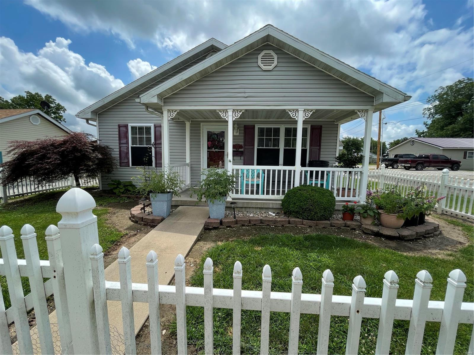 702 E Pearl Street Property Photo