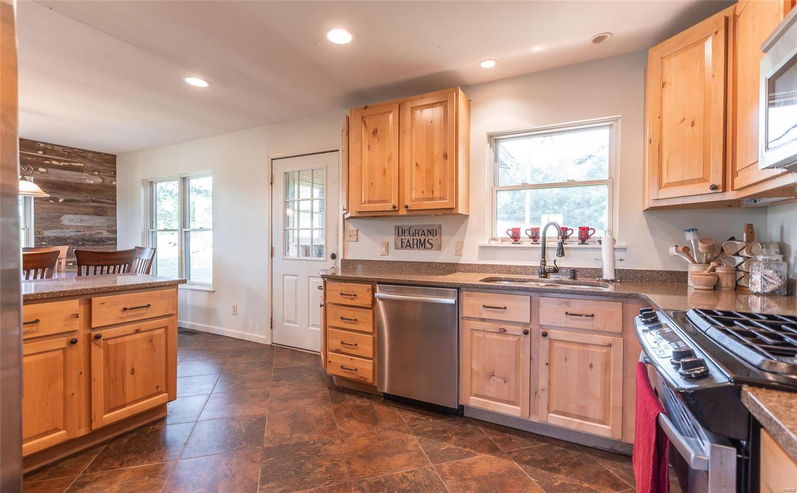 1158 Madison 9533 Property Photo 30