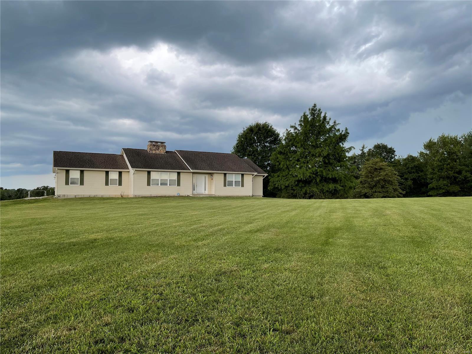 9215 Longview Drive Property Photo 1