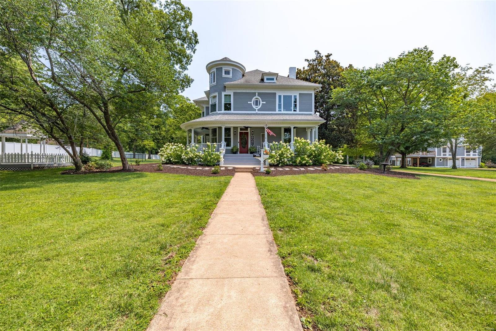 W 806 Columbia Street Property Photo